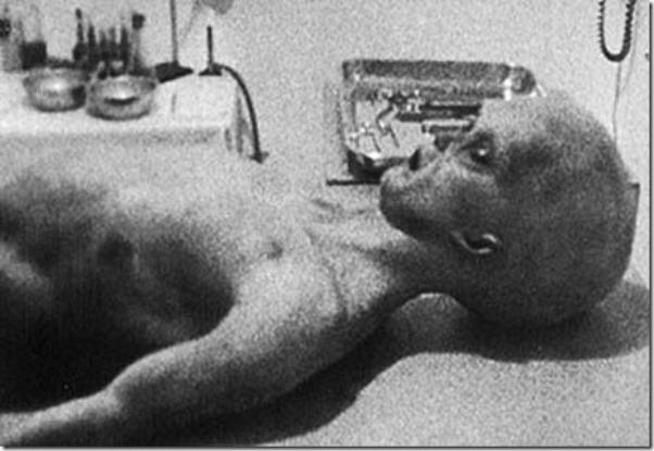 http://www.dogmacero.org/wp-content/uploads/autopsia_alien_roswell_thumb.jpg